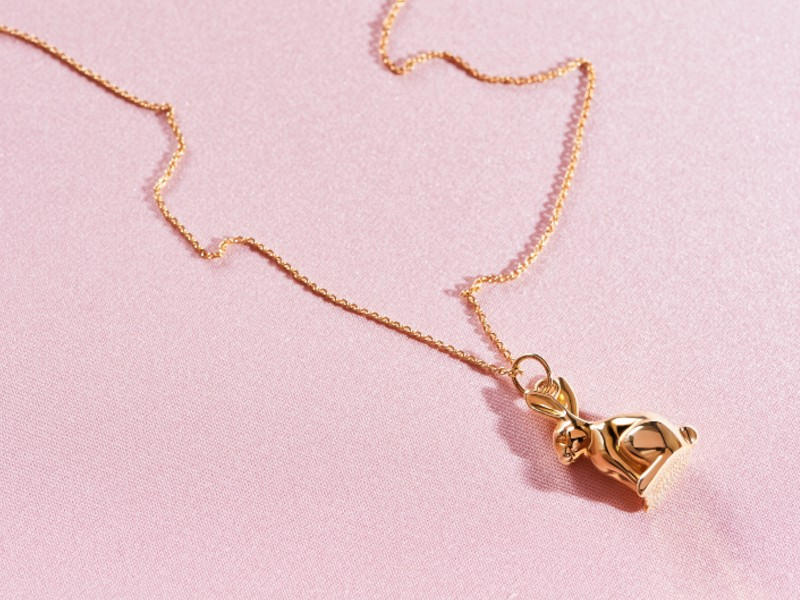 A bunny pendant and chain necklace in 18-carat gold, available at S$4,090.