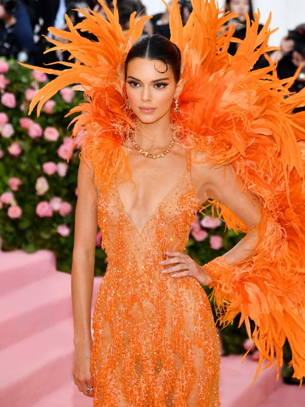 Kendall Jenner in a Versace gown and high jewellery pieces from Tiffany & Co.'s Blue Book collection. Image courtesy of Tiffany & Co.