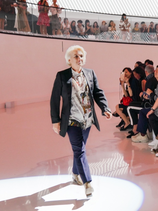 Silvia Venturini Fendi stepped out for a finale bow.